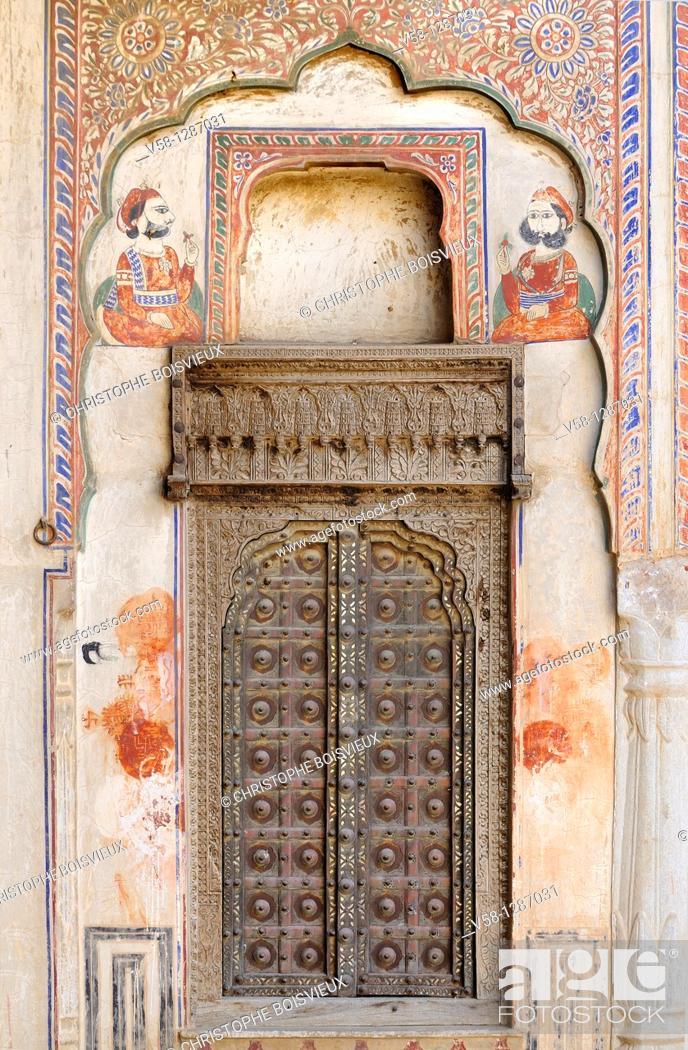 Stock Photo: India, Rajasthan, Shekhawati, Mandawa, Harlalka Chhatri circa 1850.