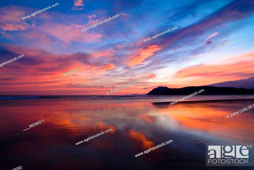 Stock Photo: Beach at sunrise, Laredo. Cantabria, Spain.