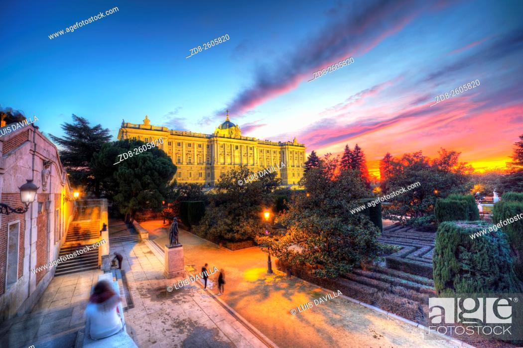 Imagen: royal palace from sabatini gardens. madrid. spain.