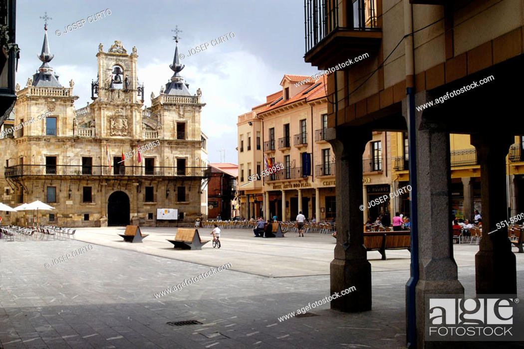 Photo de stock: Main square and town hall. Astorga, León province. Castilla y León, Spain.
