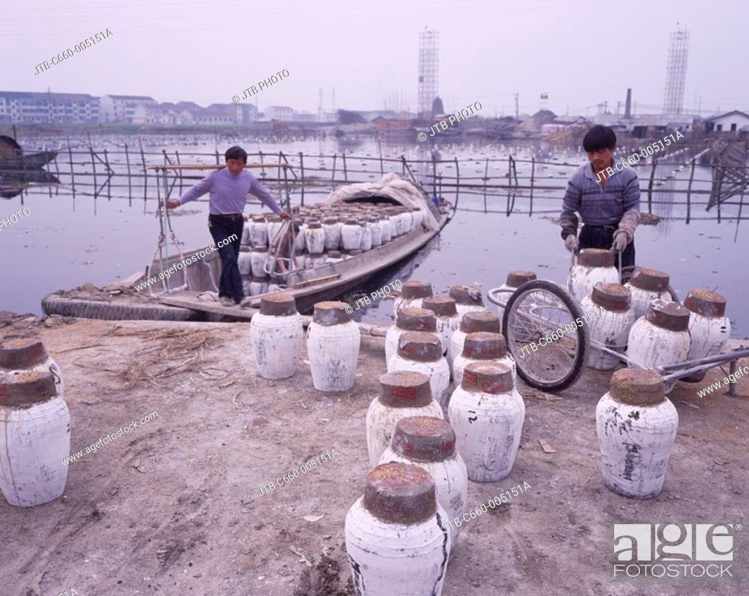 Stock Photo: Shaoxing Alcoholic, Loading, Shaoxing, Zhejiang, China.