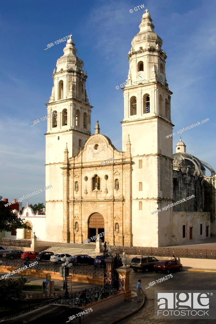 Stock Photo: Historic town Campeche, Cathedral of Nuestra Senora de la Concepcion, Province of Campeche, Yucatan peninsula, Mexico, UNESCO World Heritage Site.