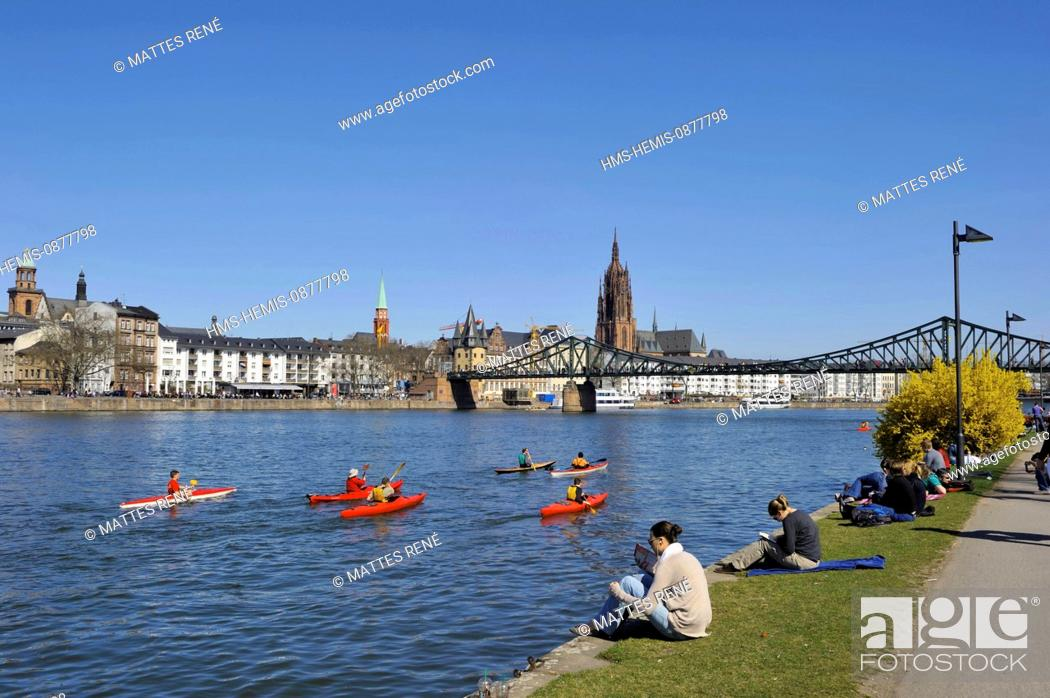 Stock Photo: Germany, Hesse, Frankfurt am Main, riverbanks of Main river and St.Bartholomew's cathedral (Dom).