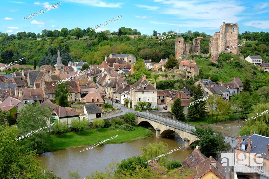Stock Photo: Village of Herisson, the castle, Bourbonnais, Allier, Auvergne, France, Europe.