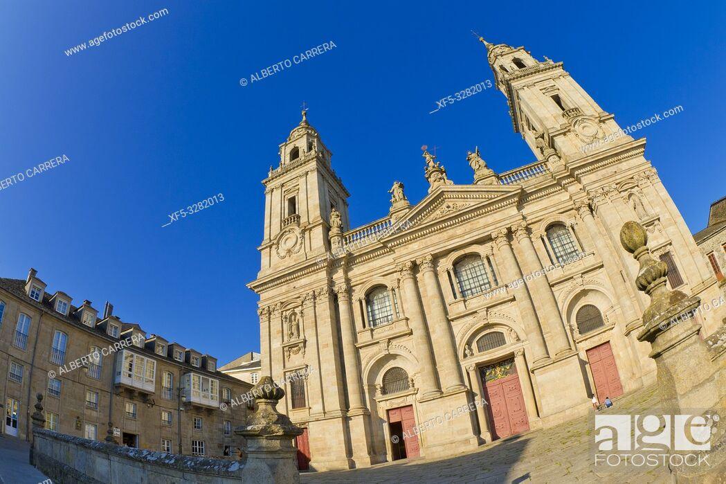 Imagen: Saint Mary's Cathedral of Lugo, Catedral de Santa María de Lugo, 12th Century Romanesque Style, Spanish Property of Cultural Interest, Lugo City, Lugo, Galicia.