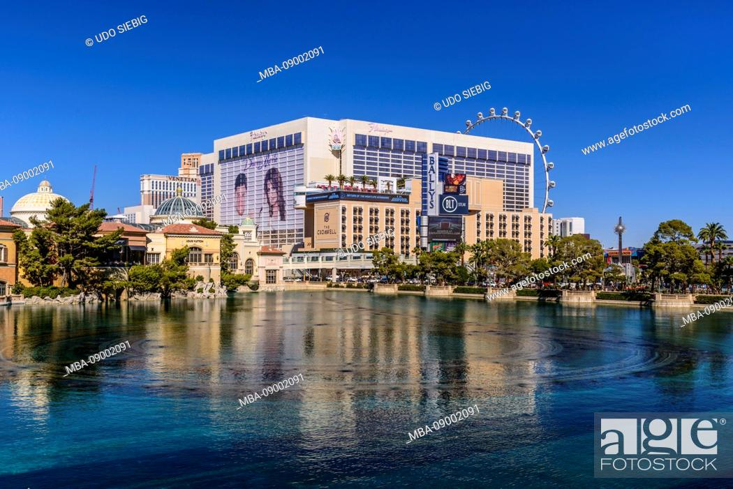 Stock Photo: US, Nevada, Clark County, Las Vegas, Las Vegas Boulevard, The Strip, Flamingo Hotel and Ballys.