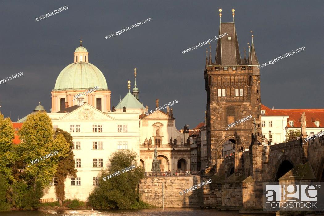 Stock Photo: Old town and Vltava River, Charles Bridge Prague, Prague, Czech Republic.