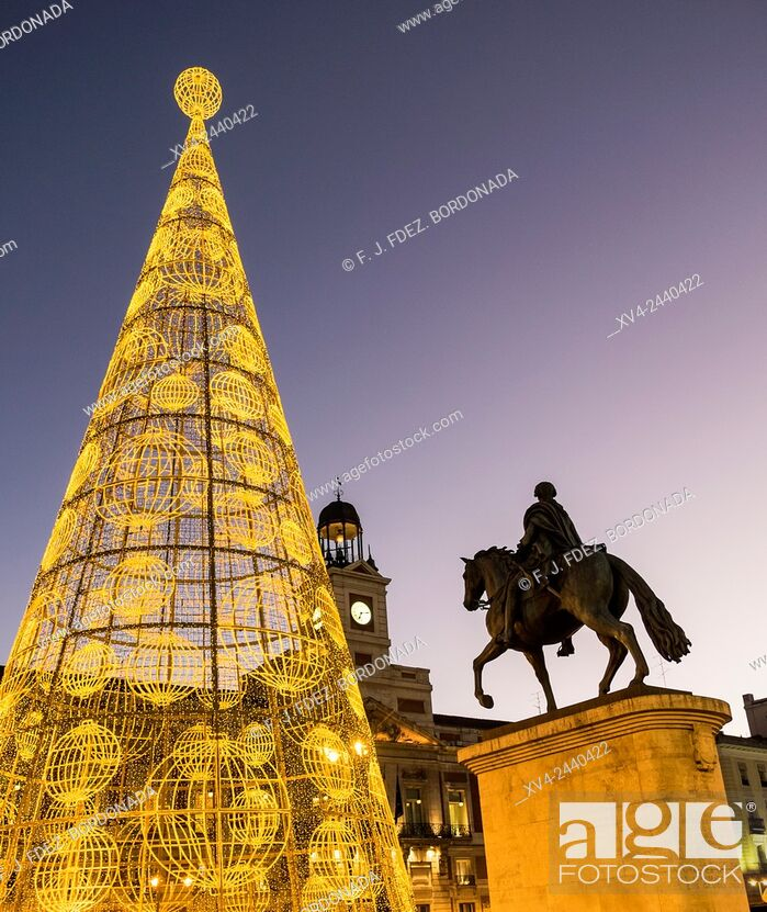 Stock Photo: Carlos III Spain King sculpture at Puerta del Sol square. MAdrid, Spain.