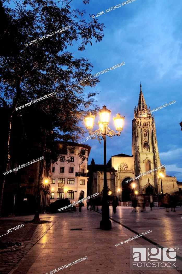 Stock Photo: Cathedral in Plaza de Alfonso II el Casto at dusk, Oviedo, Asturias, Spain.