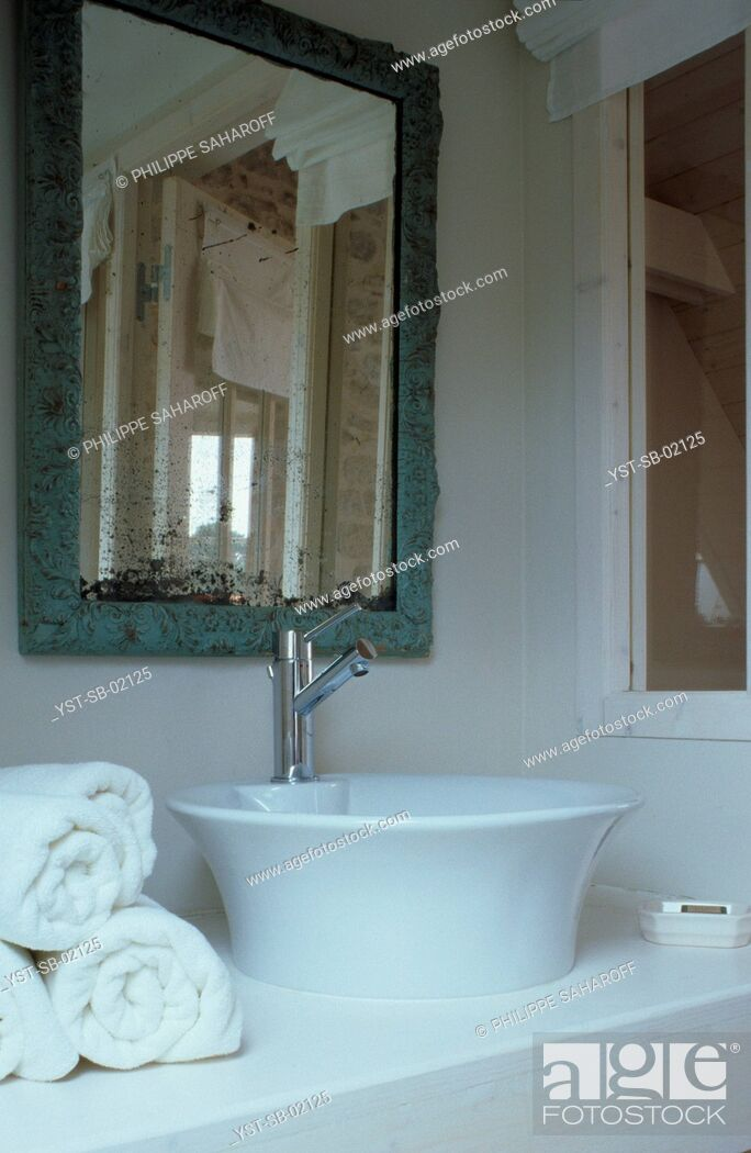 Stock Photo: Bathroom, La Trinité-sur-Mer, Brittany, France.