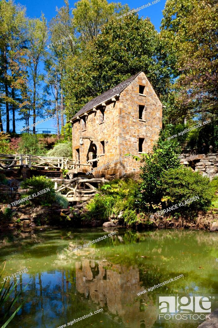 Stock Photo: A restored grist mill in Old Mill Park in Little Rock, Arkansas, USA.