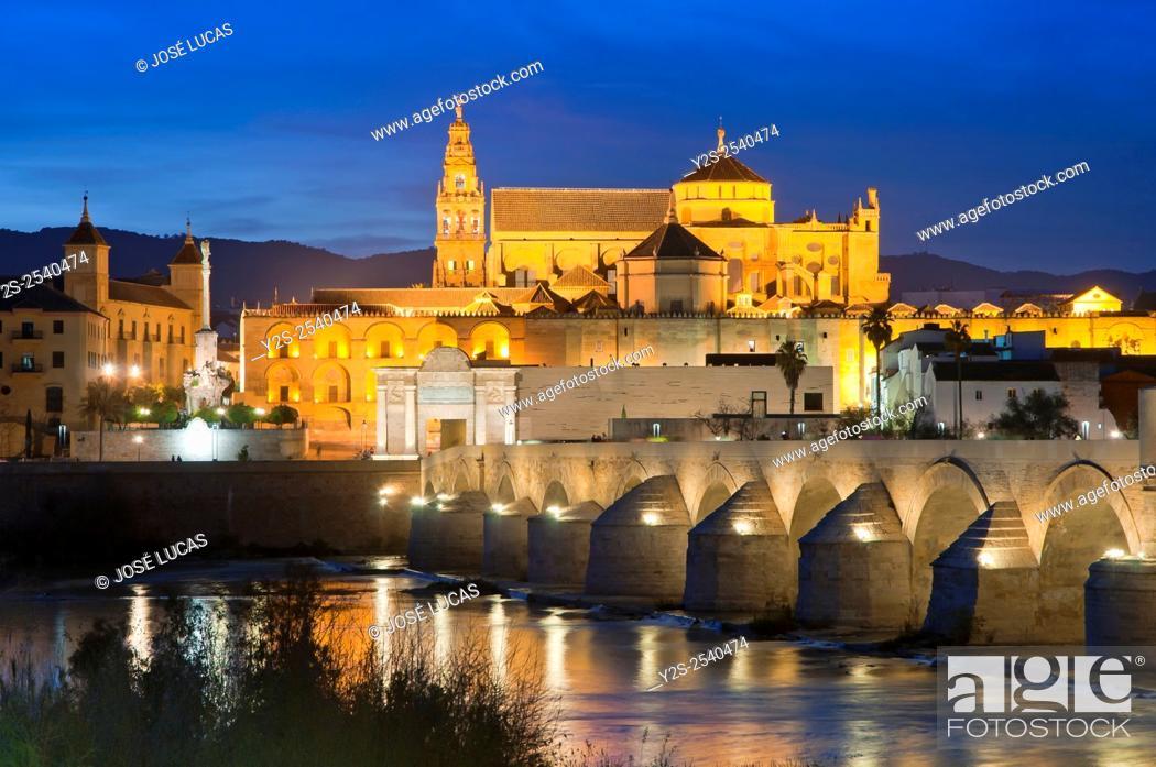 Stock Photo: Arab mosque, Roman bridge and Guadalquivir river at dusk, Cordoba, Region of Andalusia, Spain, Europe.