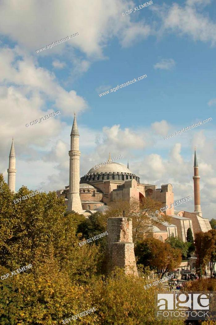 Stock Photo: One of most famous mosque, also marked as one of Asian 7th wonders located in Istanbul, Turkey.