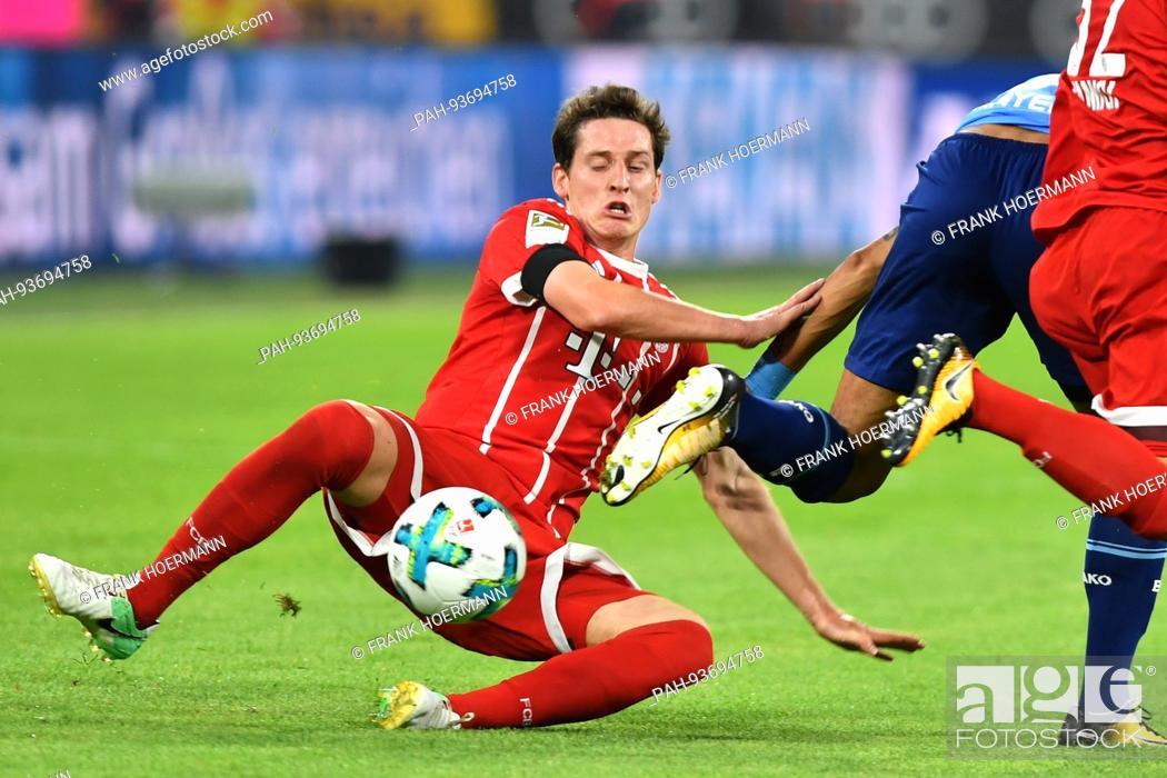 Sebastian Rudy Fc Bayern Munich Aktion Zweikampf Fussball