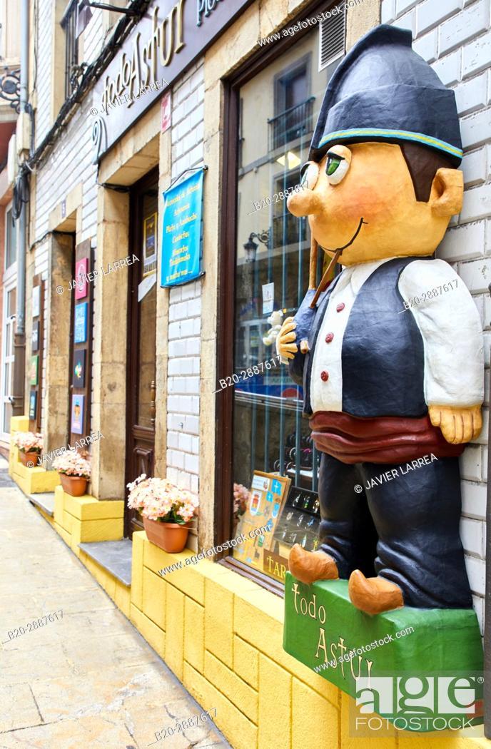 Imagen: Calle de Ruiz Gomez, Avilés, Asturias, Spain, Europe.
