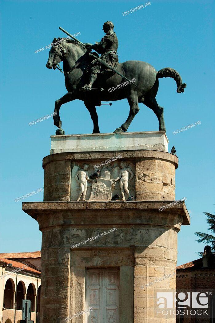 Stock Photo: Horse statue on plinth, Padua, Veneto, Italy, Europe.