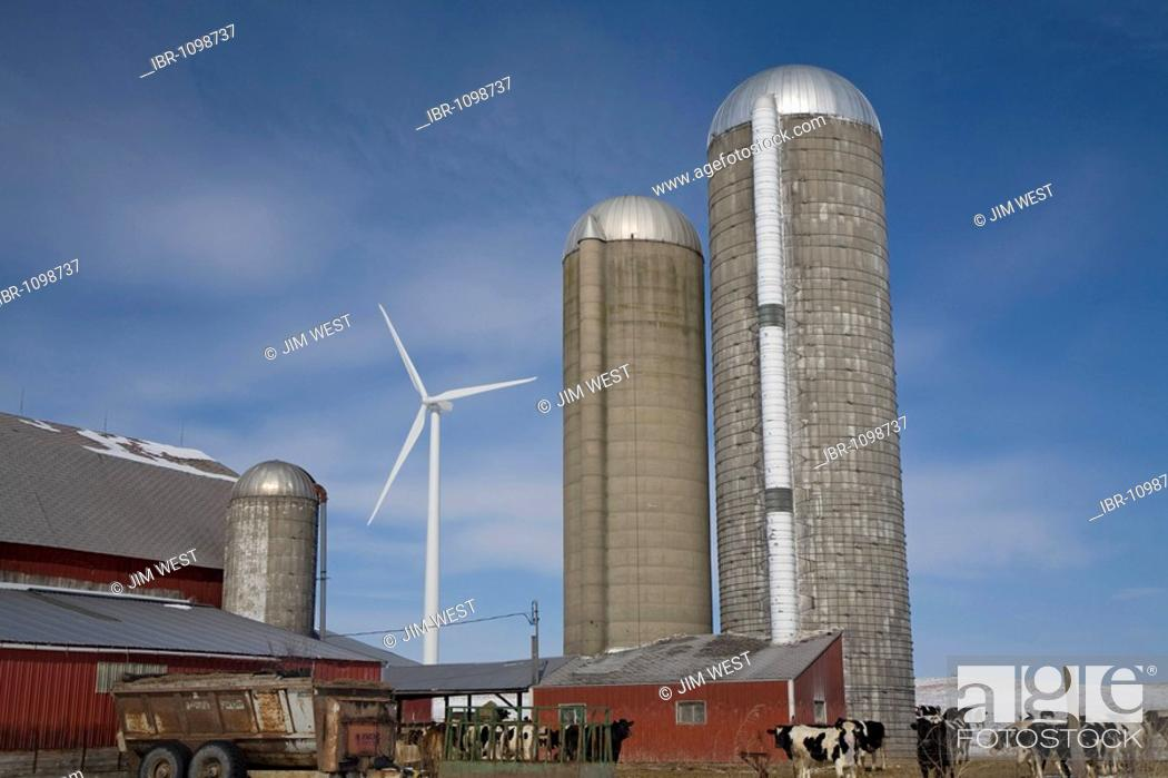 Stock Photo: A wind turbine on a farm in the Noble Thumb Windpark, owned by John Deere Wind Energy, Ubly, Michigan, USA.