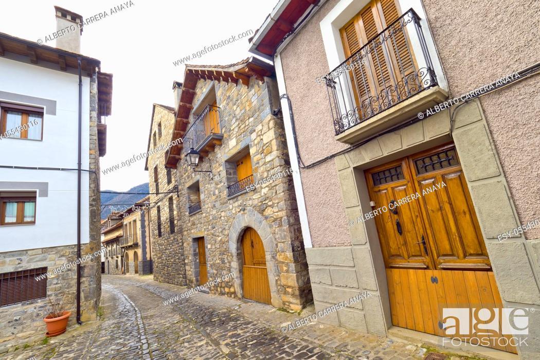 Imagen: Street Scene, Typical Architecture, Ansó, Jacetania, Huesca, Aragón, Spain, Europe.