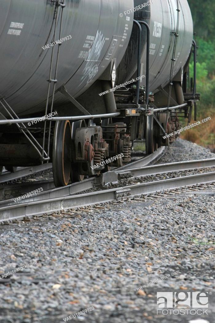 Stock Photo: railroad, conveyance, travel, way, path, pathway.