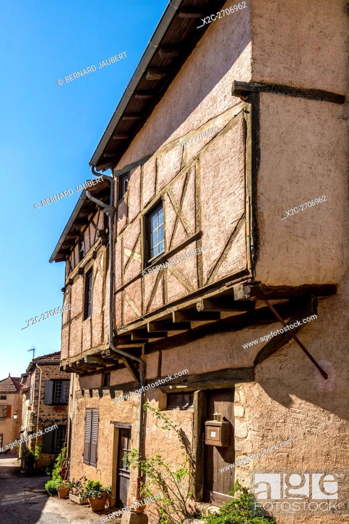 Stock Photo: Roannais region. Half-timbered houses, Saint-Haon-le-Châtel medieval village, Loire, France.