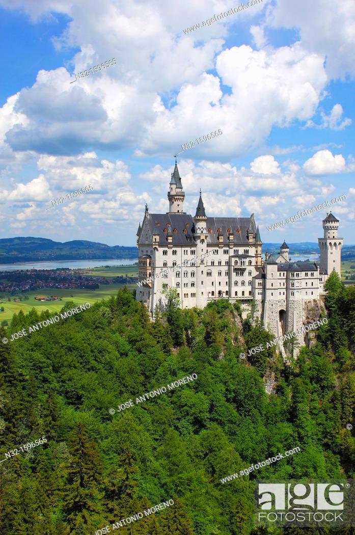 Stock Photo: Neuschwanstein Castle, Schloss Neuschwanstein, Allgau, Fussen, Allgaeu, Fuessen, Romantic Road, Romantische Strasse, Bavaria, Germany, Europe.