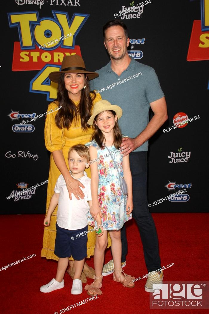 """Stock Photo: Tiffani Thiessen and Family at Disney/Pixar's """"""""Toy Story 4"""""""" World Premiere held at El Capitan Theatre, Hollywood, CA, June 11, 2019."""