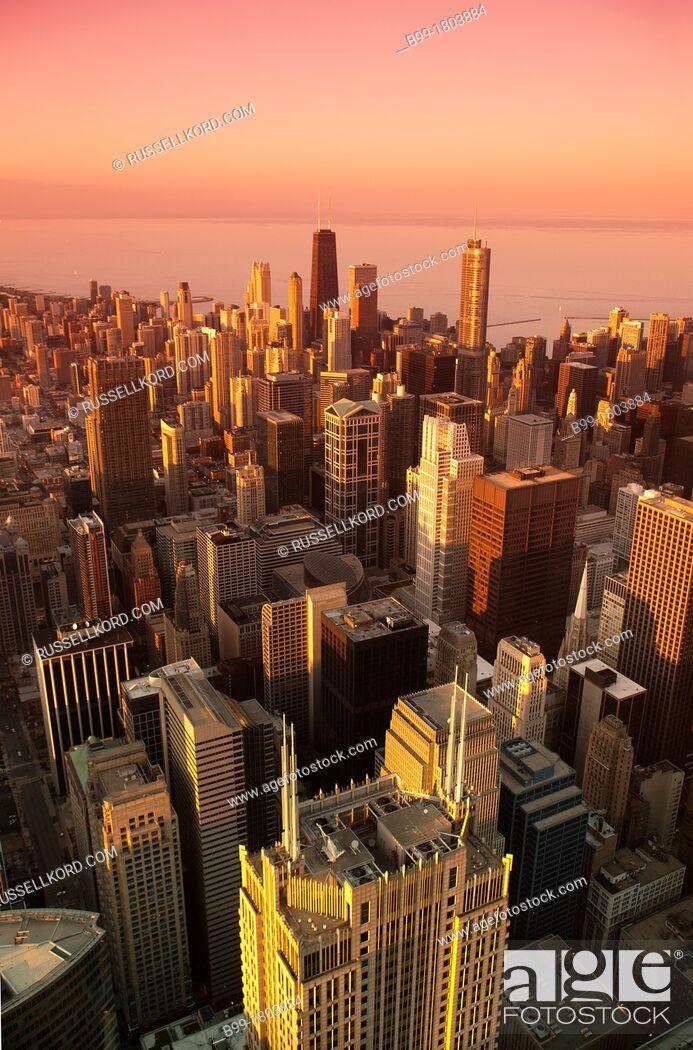 Stock Photo: Downtown Loop Skyline Chicago Illinois USA.