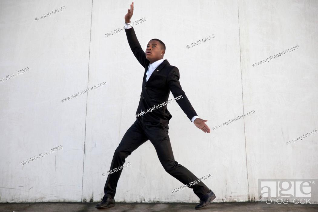 Imagen: Young Adult Man in Dance Pose.