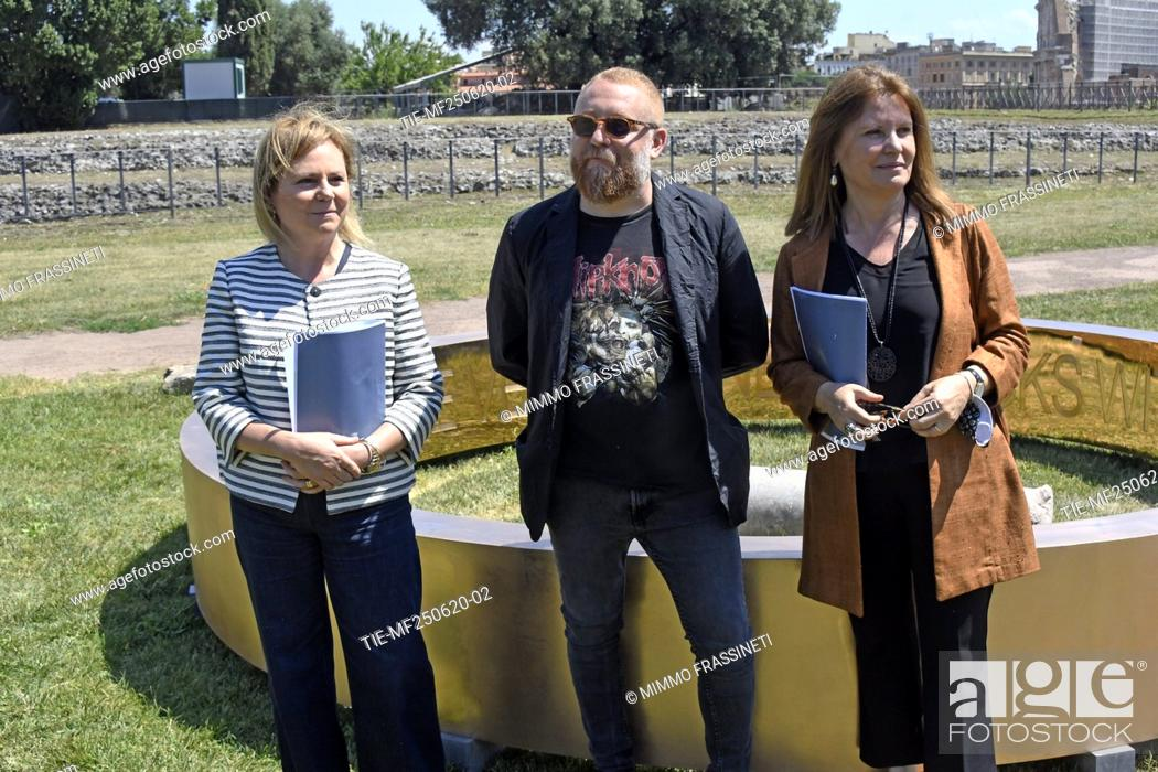Stock Photo: Alfonsina Russo, director of Colosseum archaeological park, the artist Francesco Arena, Margherita Guccione, general director of Contemporary Creativity during.