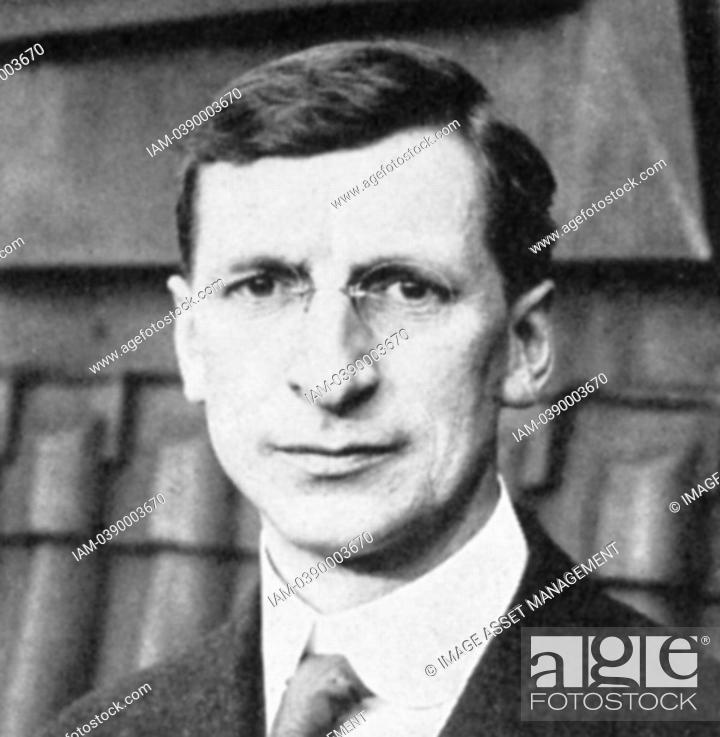Stock Photo: Eamon De Valera 1822-1975 American-born Irish statesman who, after fighting for Irish independence, became leader of Fianna Fail and served as Prime Minister of.