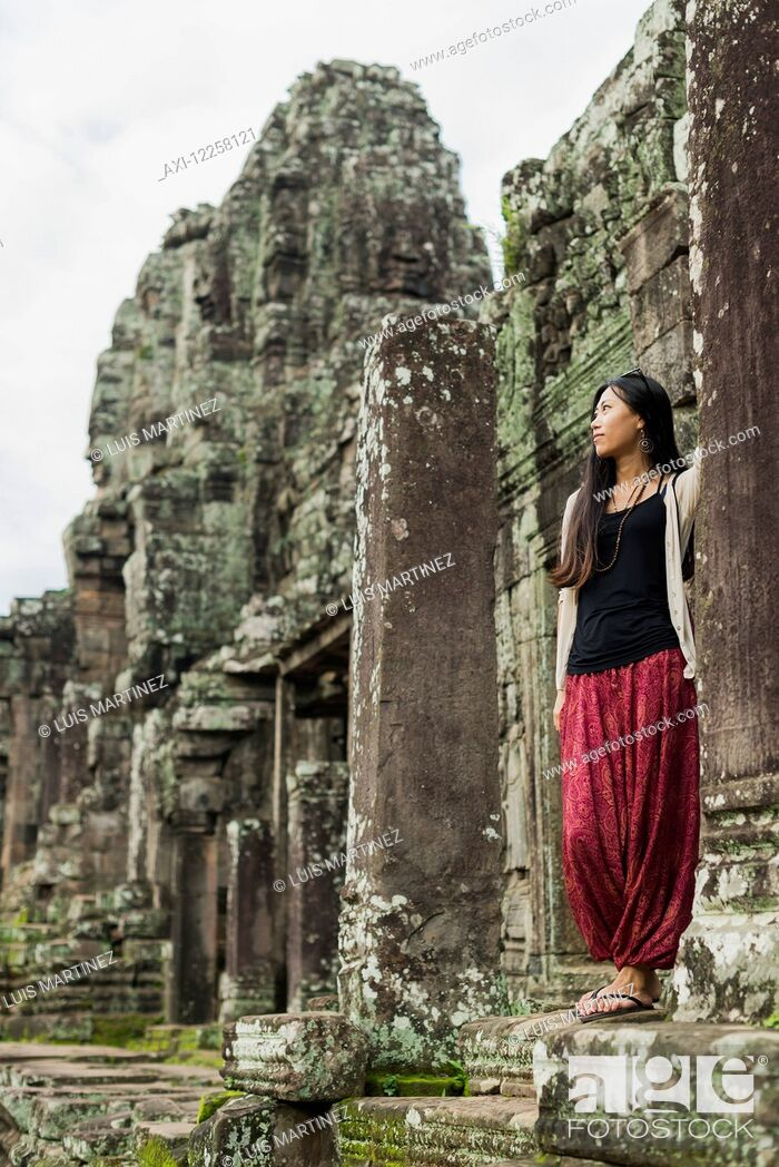 Imagen: Impressive Buddha's faces in Bayon Wat, built by the king Jayavarman VII in the end of twelfth century, from Angkor; Siem Reap, Cambodia.