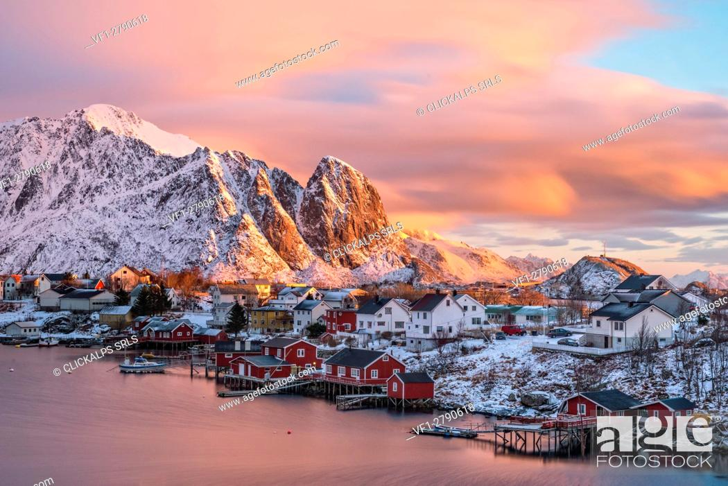Stock Photo: The town of Reine at sunrise, Lofoten Islands, Norway.