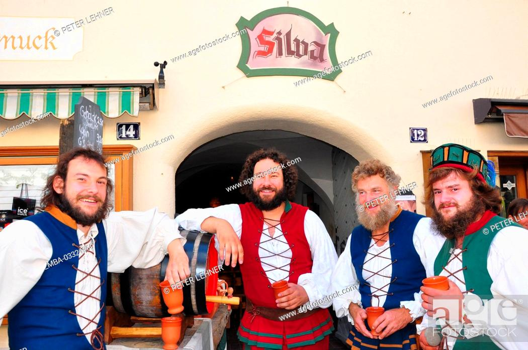 Stock Photo: Germany, Bavaria, Isar valley, Mittenwald, Bozner market, market beating out, Middle Ages,.