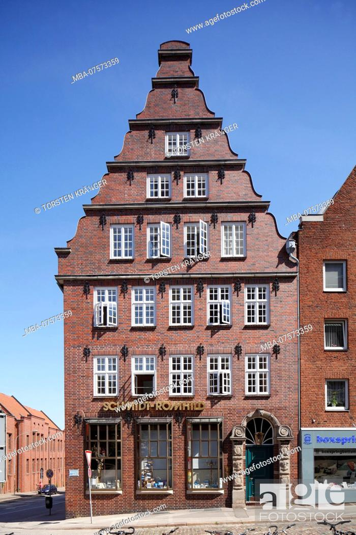 Stock Photo: Historic gabled house in Mengstrasse, Old Town, Lübeck, Schleswig-Holstein, Germany, Europe.