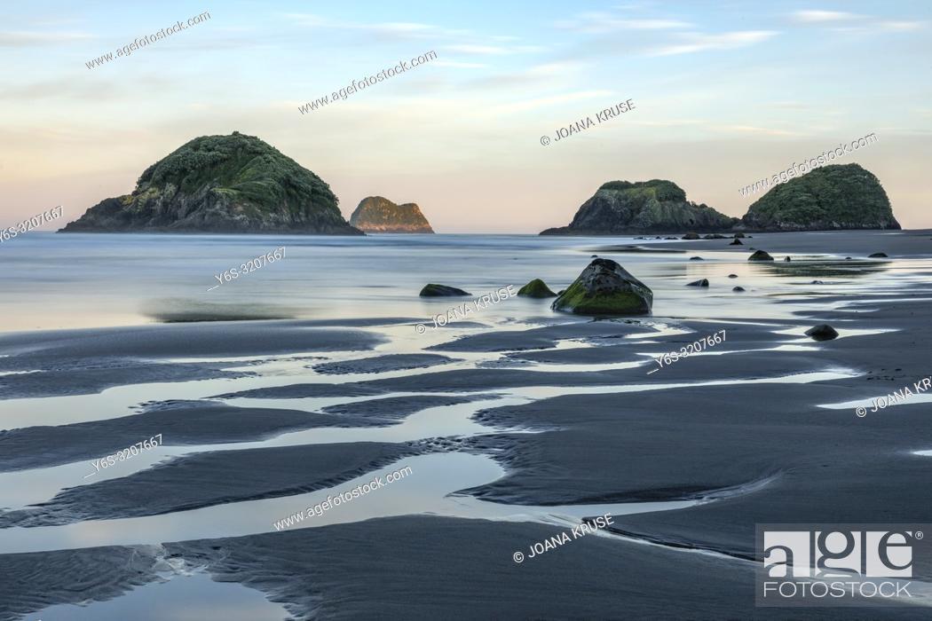 Stock Photo: Sugar Loaf Islands, New Plymouth, Taranaki, North Island, New Zealand.