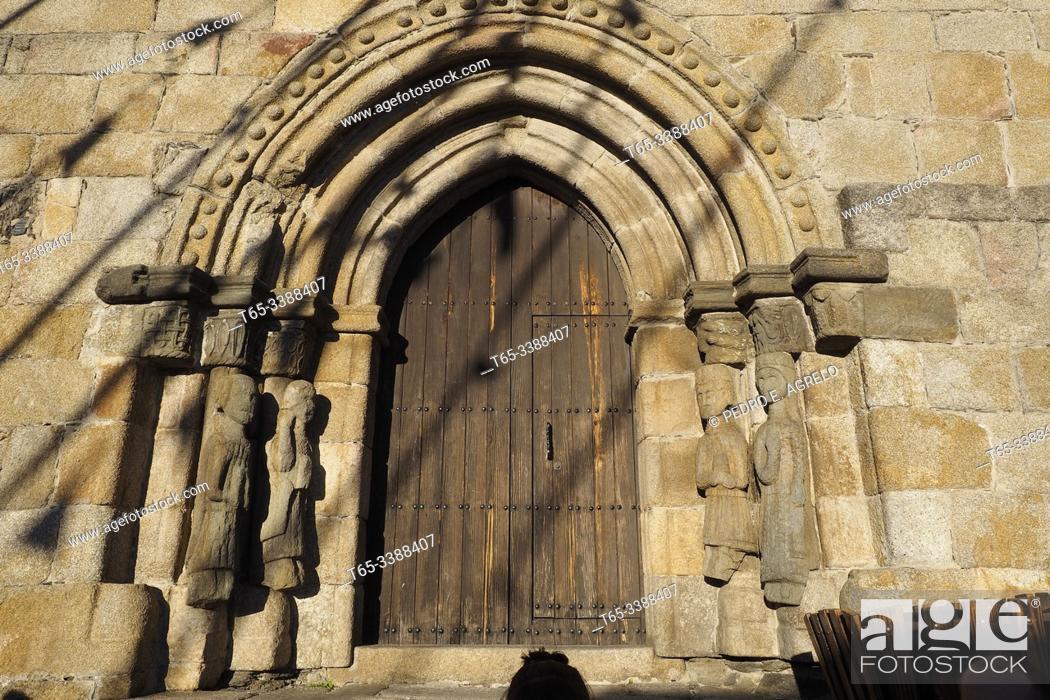 Stock Photo: Spain. Zamora, Puebla de Sanabria. Santa Maria de Azogue church. Door.