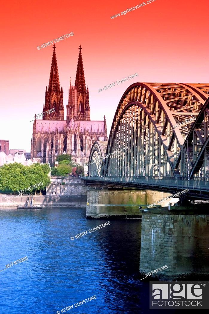 Stock Photo: Germany Cologne Hohenzollern Brücke and Cologne Cathedral.