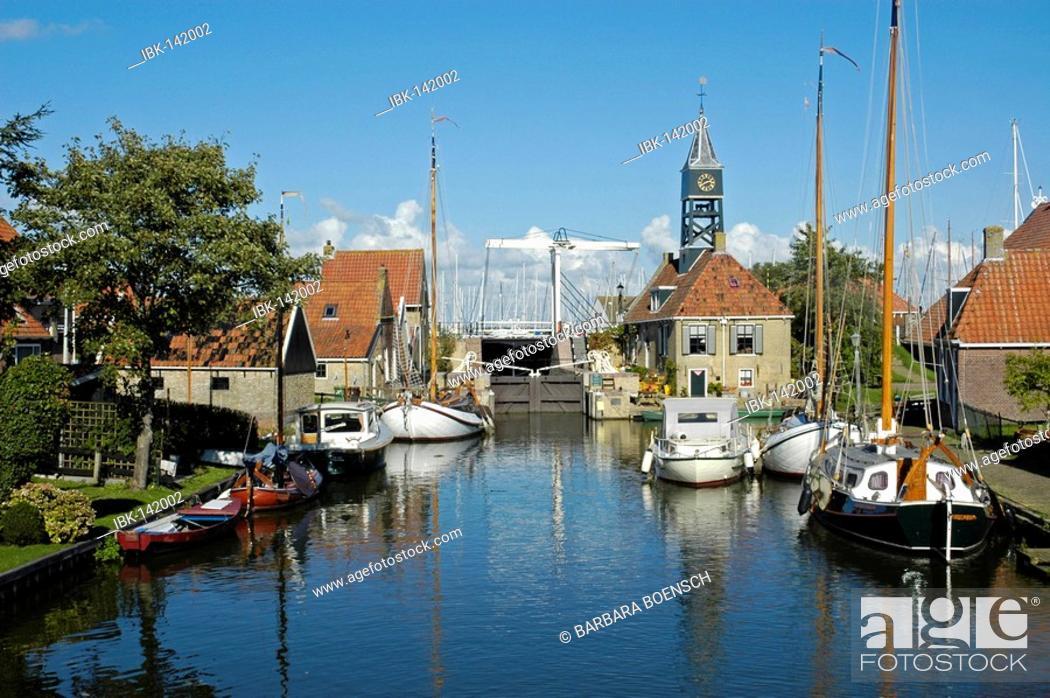 Stock Photo: Hindeloopen, Ijsselmeer, Frisia, Netherlands.