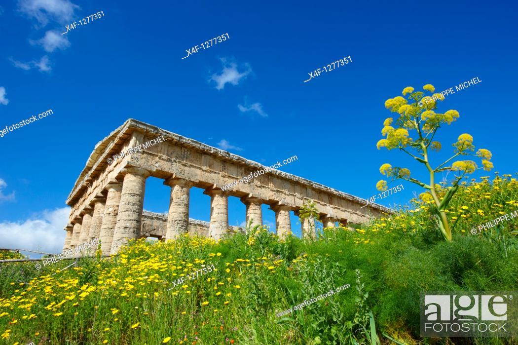 Stock Photo: Italy, Sicily, Trapani district, Segesta, Greek temple.