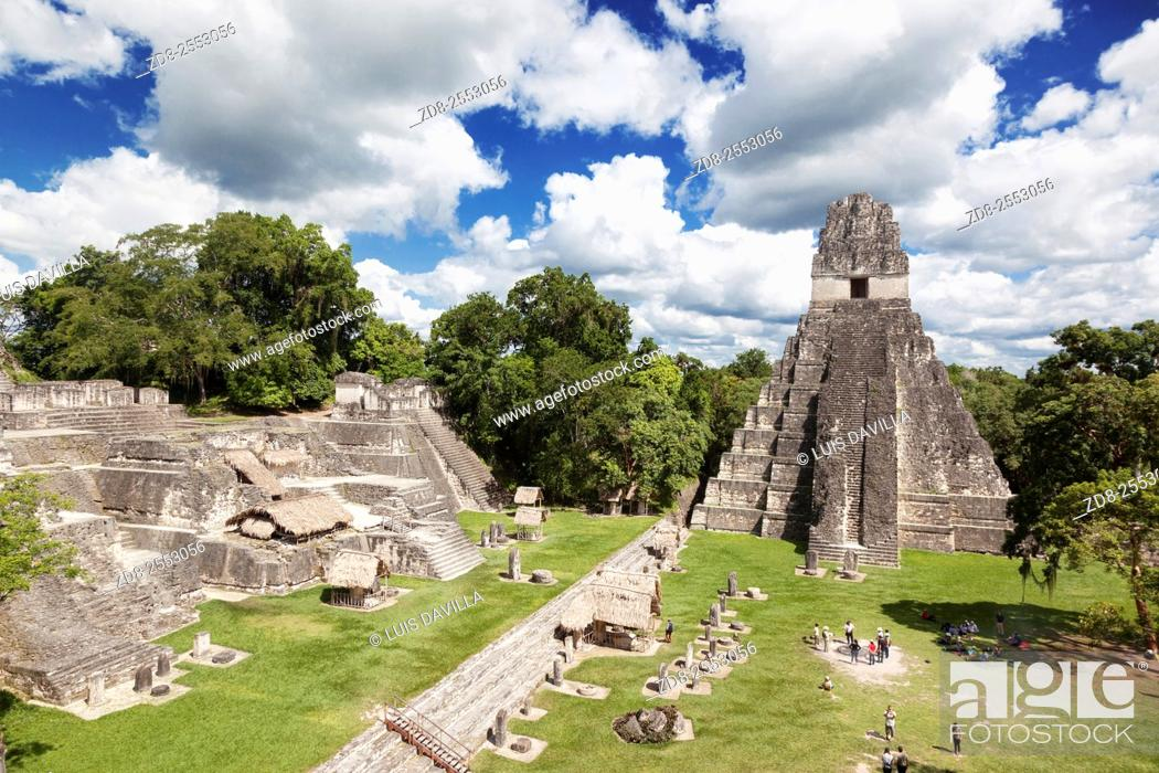 Imagen: Tikal is the ruins of an ancient city found in a rainforest in Guatemala. Ambrosio Tut, a gum-sapper, reported the ruins to La Gaceta, a Guatemalan newspaper.