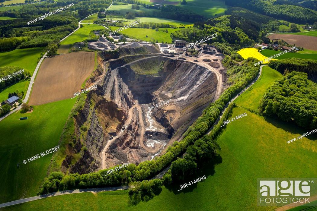Limestone mining, Menden-Oberrödinghausen, quarry Asbeck