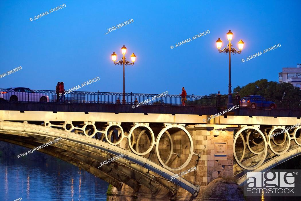Imagen: Puente Isabel II (Triana Bridge), Sevilla, Spain, Europe.