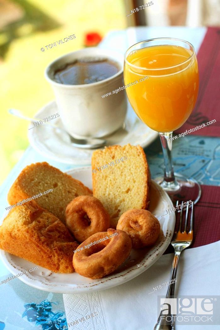 Stock Photo: Breakfast, Fontibre, Cantabria, Spain.