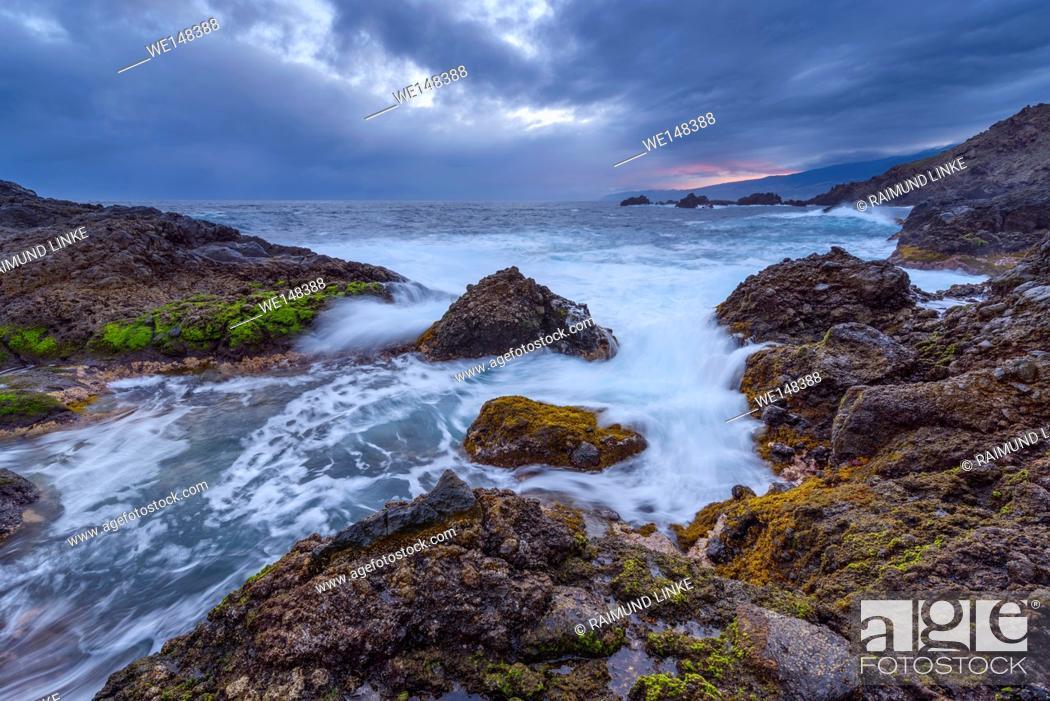Imagen: Lava rock coast at Dawn, Charco del Viento, La Guancha, Tenerife, Canary Islands, Spain.