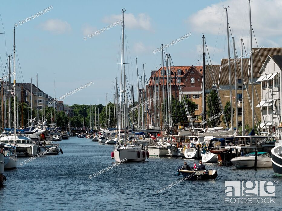 Stock Photo: Modern apartments and boats at Christianshavn harbour area, Copenhagen, Denmark.