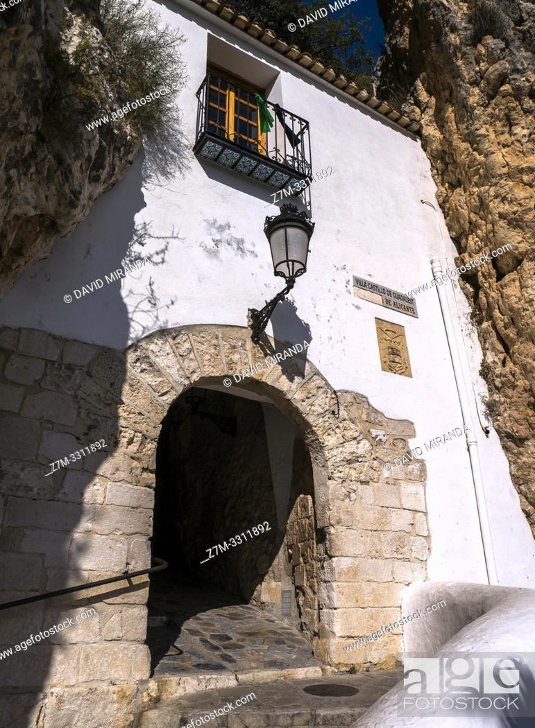 Imagen: Portal de Saint Josep. El Castell de Guadalest. Alicante. Valencian Community, Spain.
