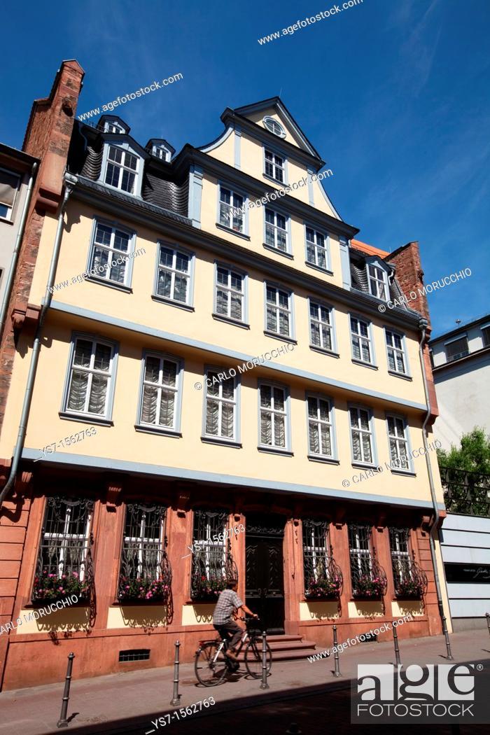 Imagen: Johann Wolfgang von Goethe's birthplace, Goethe House is next door to the Goethe museum in Frankfurt am Main, Germany, Europe.