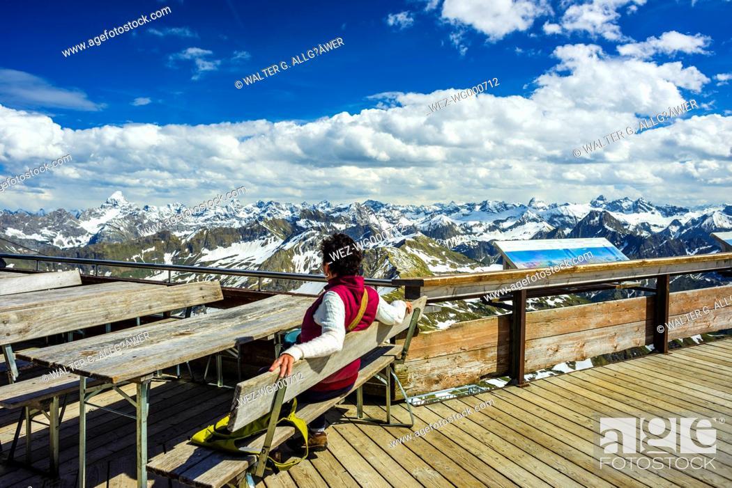 Imagen: Germany, Bavaria, Nebelhorn, woman on observation terrace.