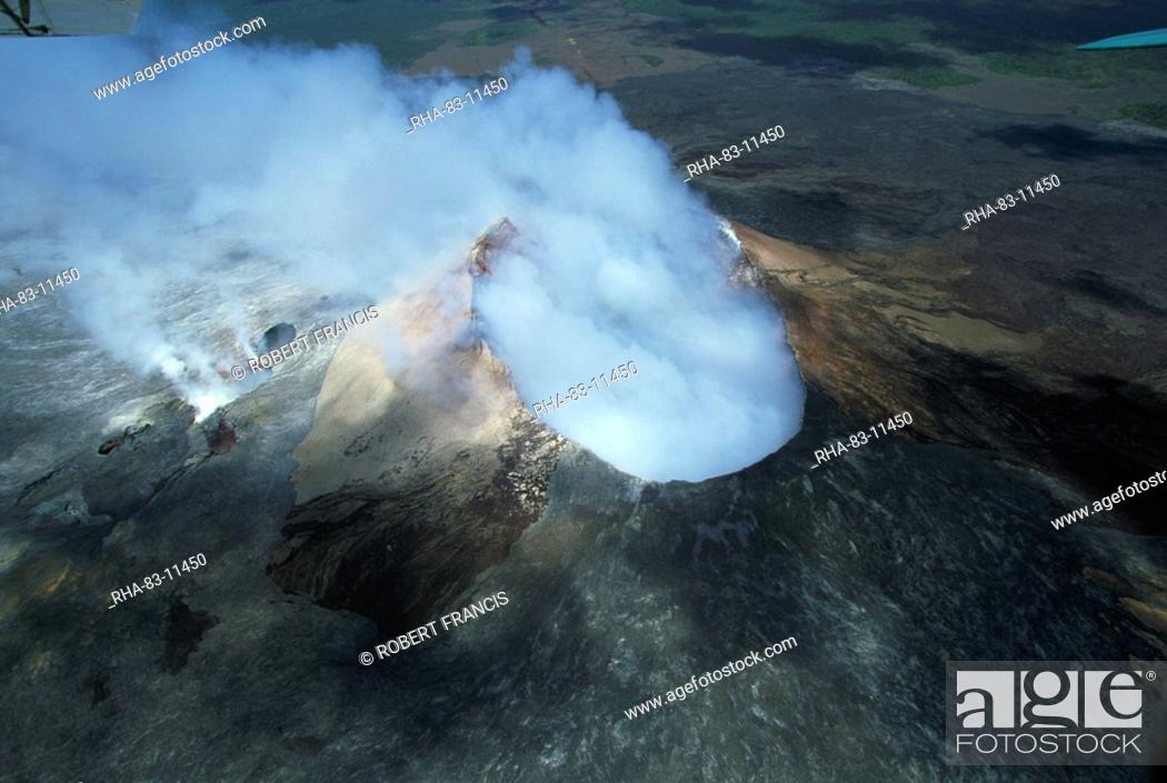 Stock Photo: The Pu'u O'o cinder cone, the active vent on the southern flank of the Kilauea volcano, Big Island, Hawaii, Hawaiian Islands, United States of America.