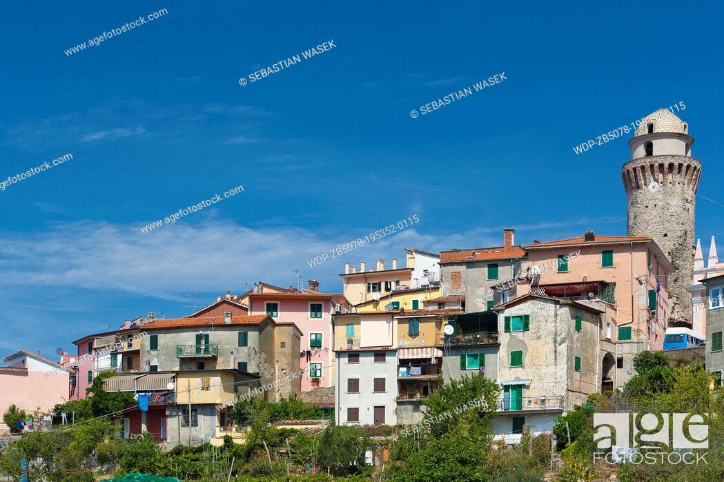 Imagen: The village of Casano belongs to the municipality of Ortonovo commune in Liguria, bordering Tuscany at the feet of the Apuan Alps, Province of La Spezia.